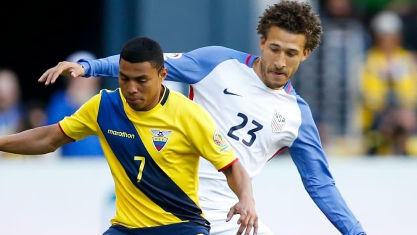 Jefferson Montero - Fabian Johnson - Ecuador - US national team - Copa America