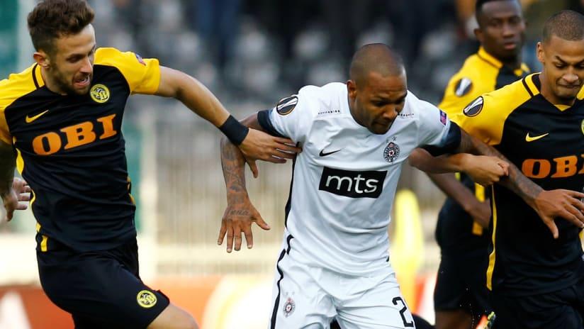 Everton Luiz - Partizan (center) - against Young Boys