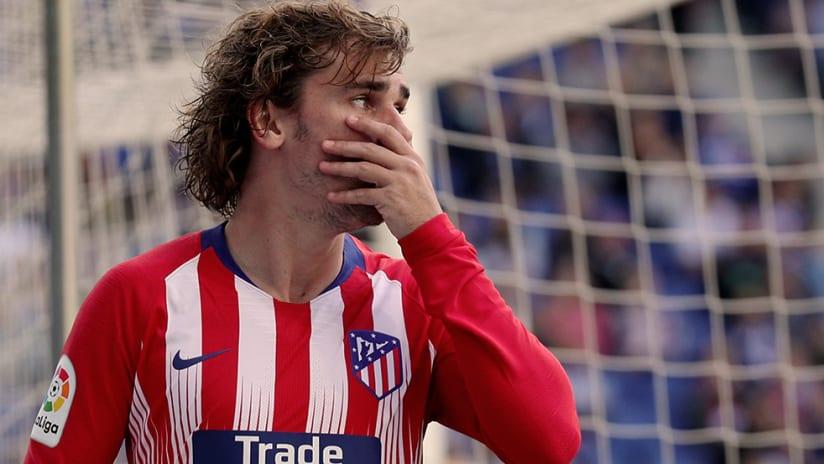 Antoine Griezmann - Atletico Madrid - Hand over face