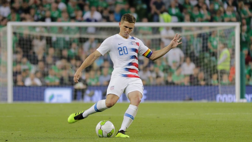 Wil Trapp - US national team - striking ball vs. Ireland