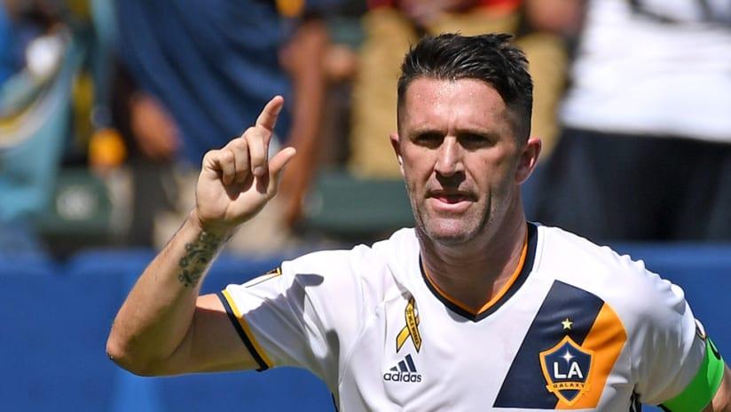 Robbie Keane goal celebration-LA-SEA-9-25-16
