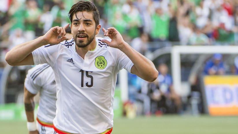 Rodolfo Pizarro – Mexico –celebrate goal