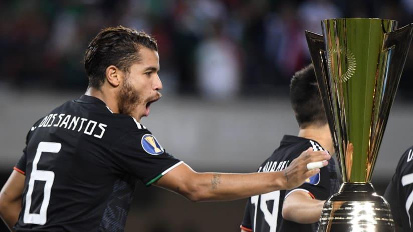 Jonathan dos Santos - Gold Cup trophy - 2019