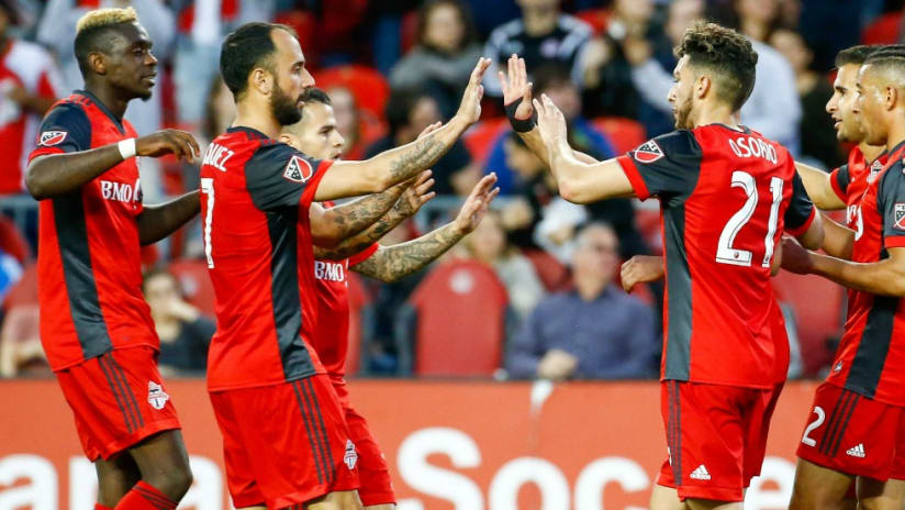Toronto FC - group high five