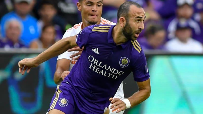 Justin Meram - Orlando City - turns on the ball - close-up