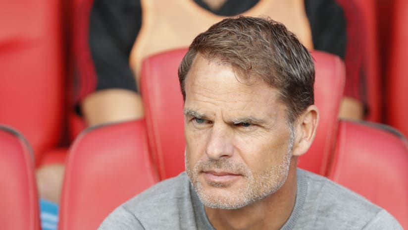 Frank De Boer looks on from bench at Chicago