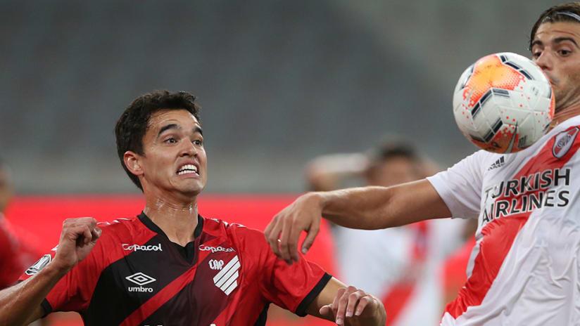Santiago Sosa - River Plate - control ball