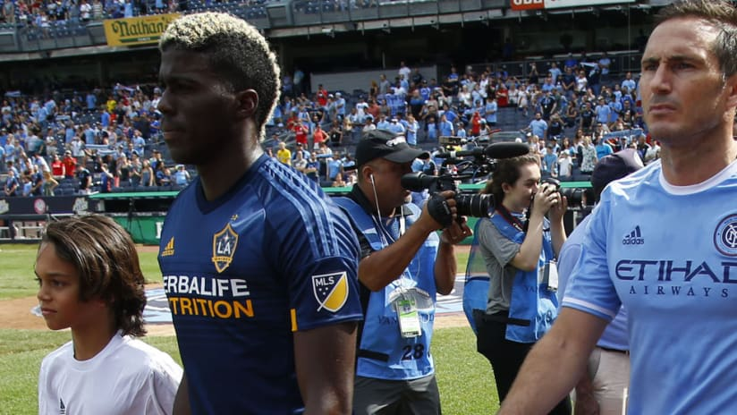 Gyasi Zardes - LA Galaxy - Frank Lampard - New York City FC - walking out