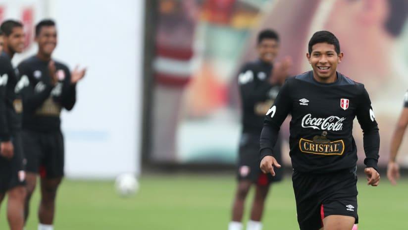 Edison Flores Peru training