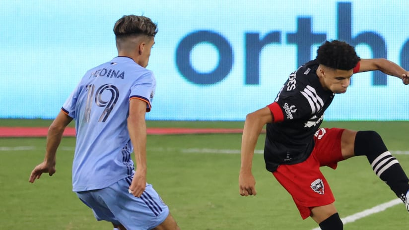 Kevin Paredes controls the ball against NYCFC