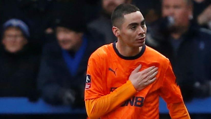 Miguel Almiron - celebrates goal - away shirt
