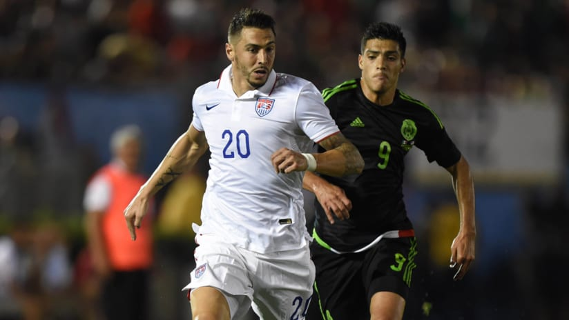 CONCACAF Cup - US - Geoff Cameron - Chasing the ball