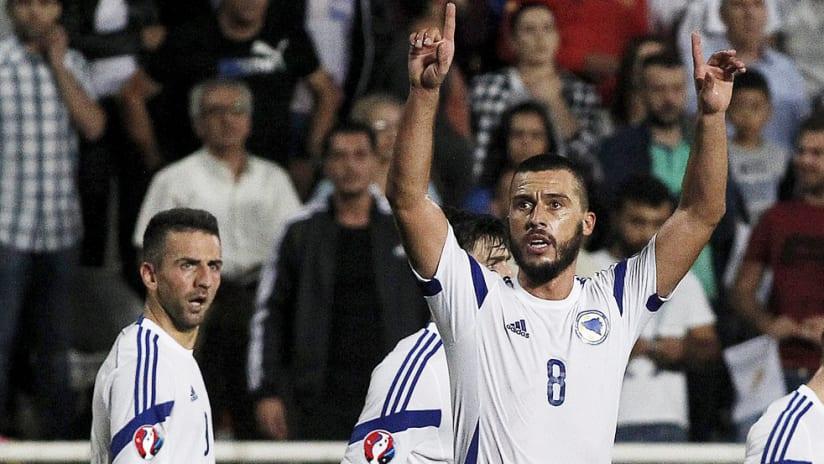 Haris Medunjanin - Bosnia and Herzegovina - celebrates
