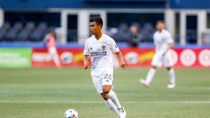 Report: Liga MX's Chivas targeting LA Galaxy's Efrain Alvarez