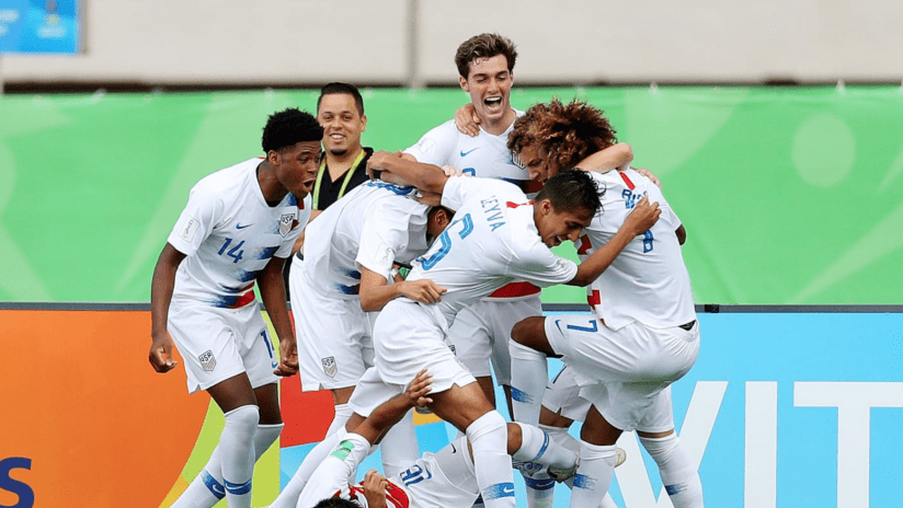 Gianluca Busio - Team Celebration - United States U-17 MNT vs. Senegal - Oct. 27, 2019