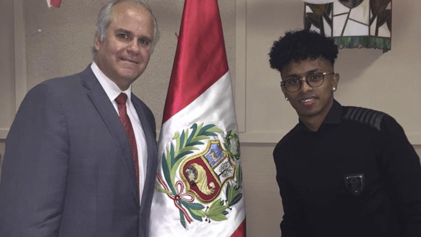 Reyna - Peru flag - fundraiser