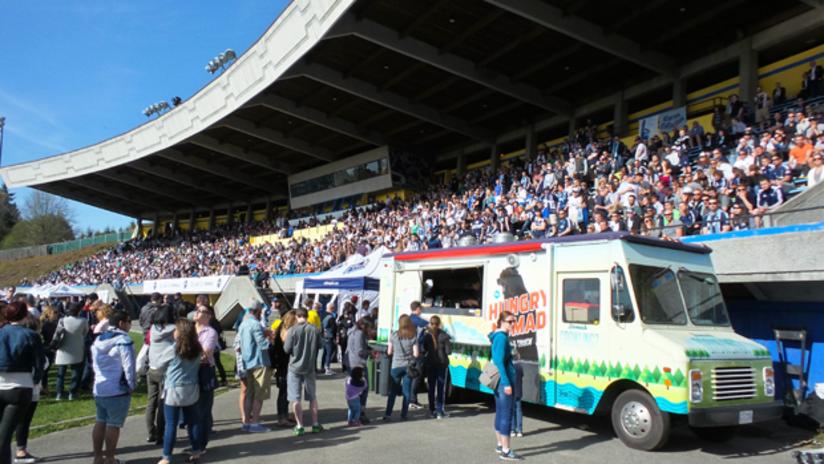 WFC2 Food Trucks, Crowd - UBC Thunderbird