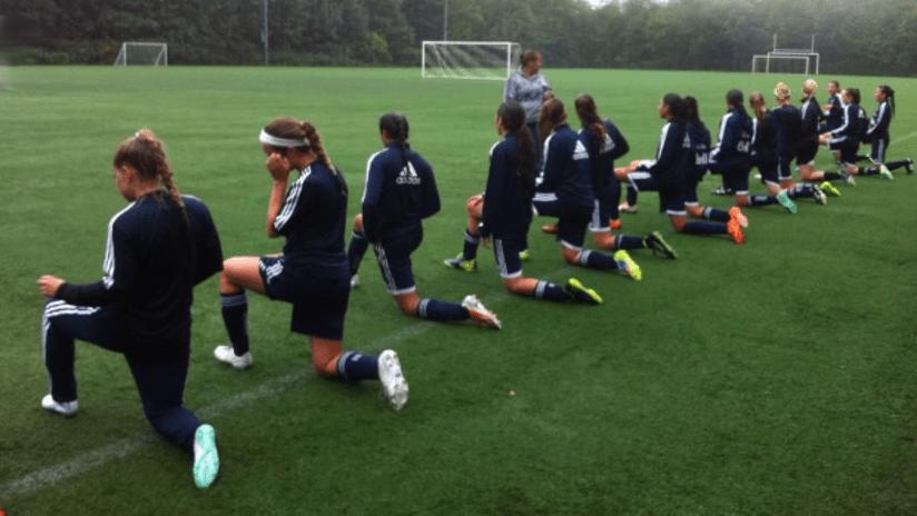 Girls Elite warm-up 2014-15