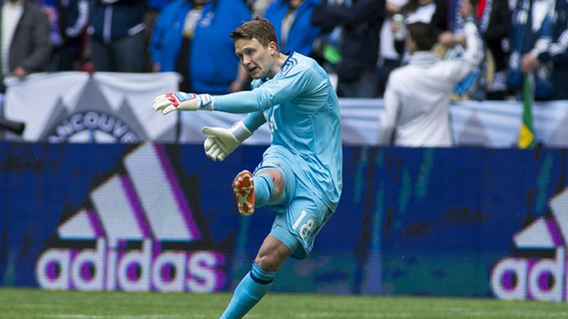 Spencer Richey MLS debut - goal kick