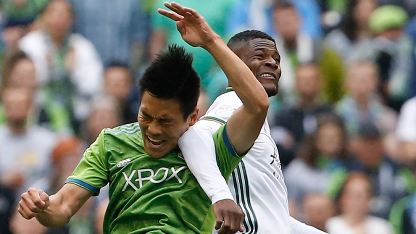 Kim Kee-Hee - Seattle Sounders - Tangled with Dairon Asprilla - Portland Timbers