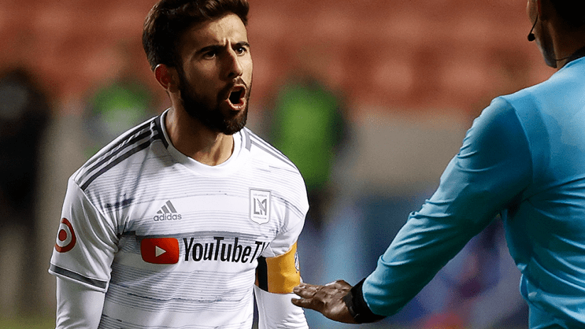 Diego Rossi - LAFC - close up - disagreeing with ref