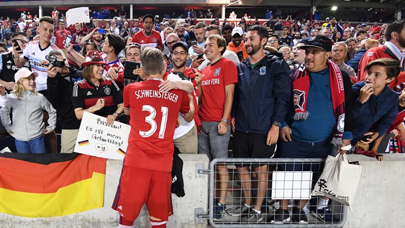 Bastian Schweinsteiger - Chicago Fire - Signs for fans