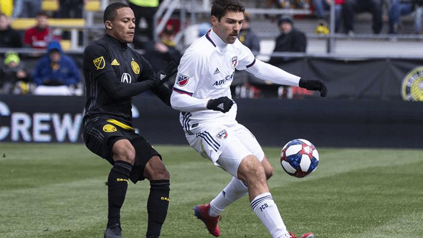 Robinho battles Ryan Hollingshead - March 16, 2019