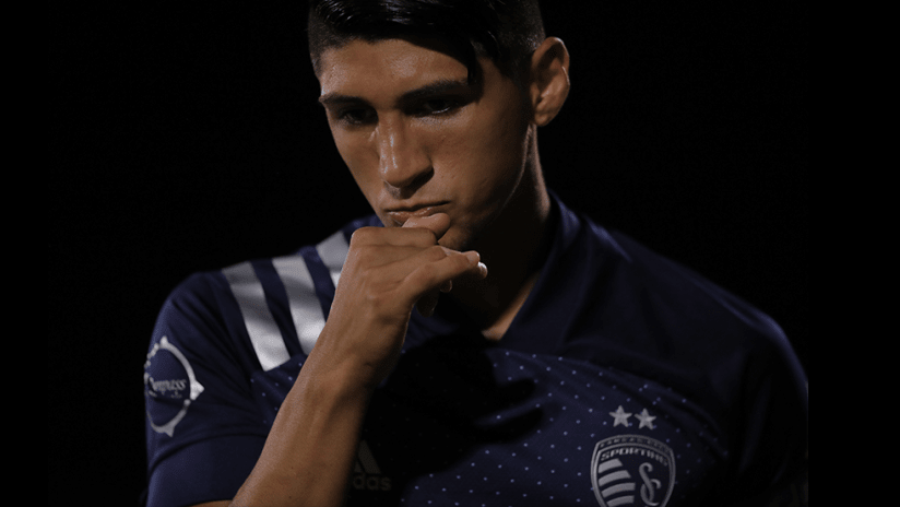 Alan Pulido - Sporting Kansas City - close up