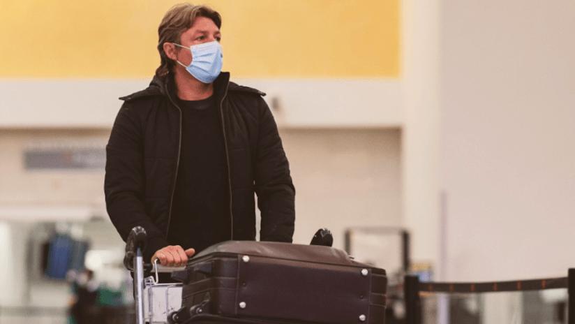 Gabriel Heinze at Atlanta airport
