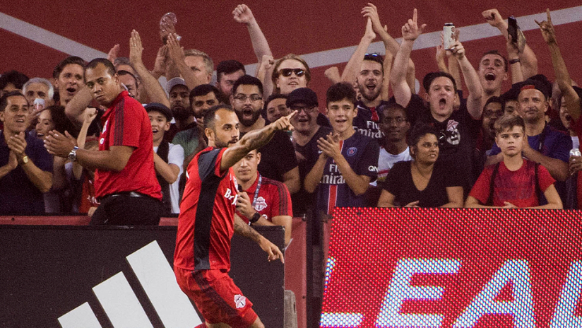 Victor Vazquez - Toronto FC - Pointing celebration in front of crowd