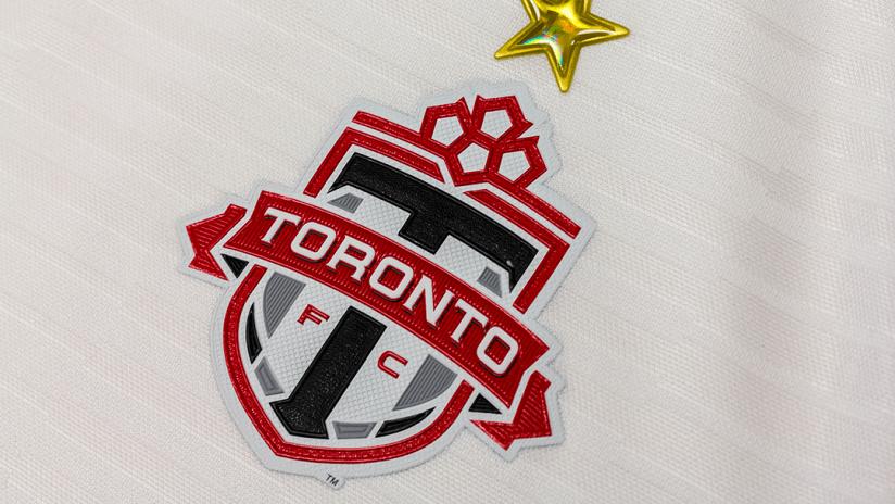 2018 Toronto FC alternate kit - crest