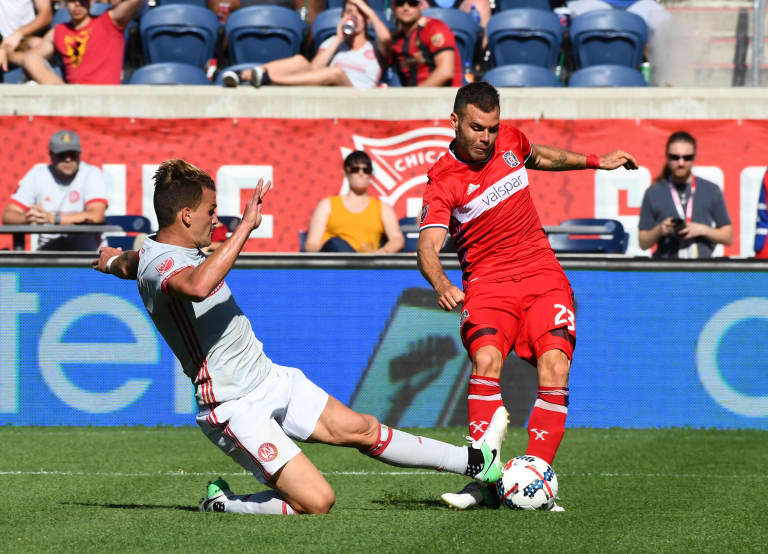 RECAP: Atlanta United fall 2-0 to the Chicago Fire on the road - Pirez blocks a shot from Nikolic