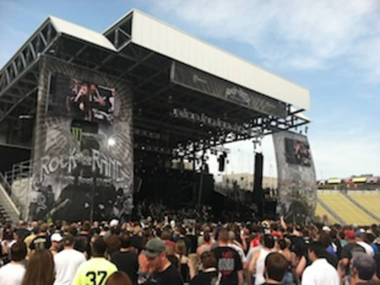 Rock on the Range Live Blog: Day One -
