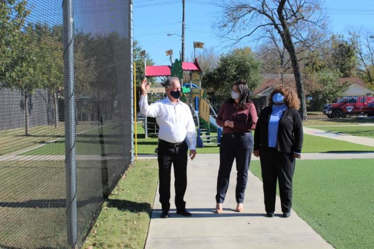 FC Dallas And Chase Kick Off Five Days Of Giving With $10,000 Donation To Jubilee Park & Community Center - https://dallas-mp7static.mlsdigital.net/styles/image_full_layout/s3/image_galleries/IMG_3783.JPG?1RQ8WXelqzQqbg.6Oc15hQSCmbvWdvK2&itok=ChiK7jKQ