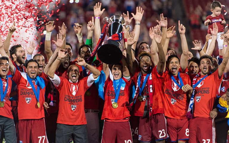 20160913 FC Dallas US Open Cup Trophy Lift