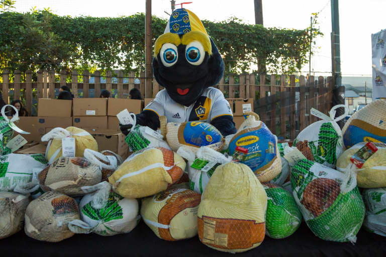 LA Galaxy partners with StubHub Center Foundation to host 14th Annual Thanksgiving Foundations' Feast on Monday, Nov. 20 -