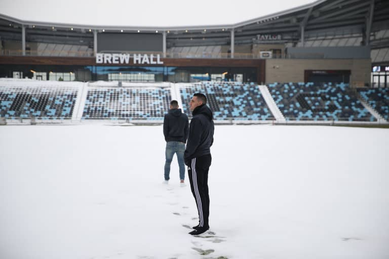 Weekly Recap: California Love - Vito Mannone stands on a snowy field