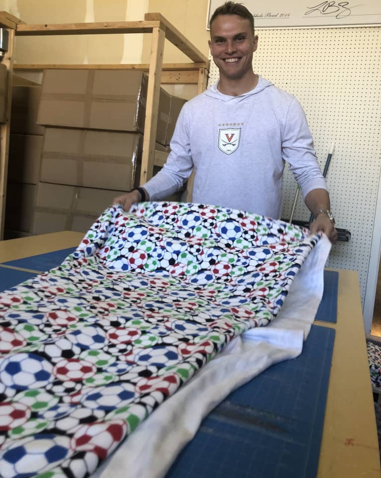 """Hometown Heroes   Binkeez for Comfort providing hope """"one blanket at a time"""" -"""