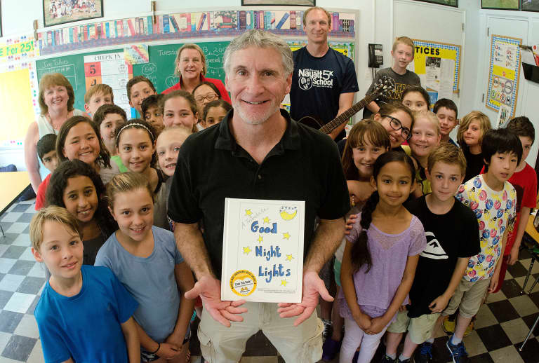 """Hometown Heroes   Good Night Lights """"represents hope"""" during COVID-19 -"""