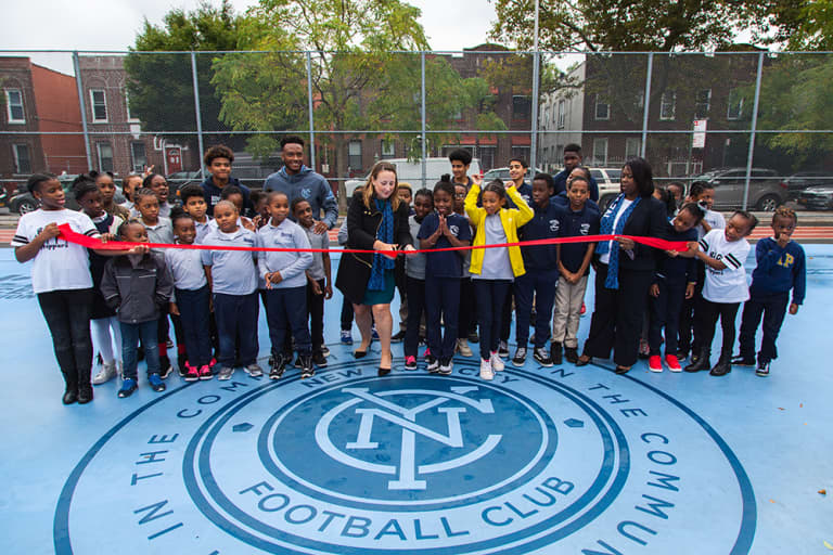 2018 NYC Soccer Initiative | Soccer Day - https://newyorkcity-mp7static.mlsdigital.net/elfinderimages/Pictures/NYCSI/10152018-SoccerDay-Brooklyn-PS446-17.jpg