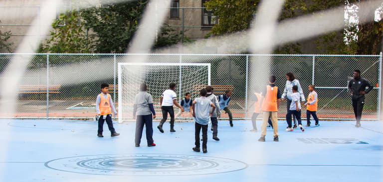 2018 NYC Soccer Initiative | Soccer Day - https://newyorkcity-mp7static.mlsdigital.net/elfinderimages/Pictures/NYCSI/10152018-SoccerDay-Brooklyn-PS446-40-2.jpg