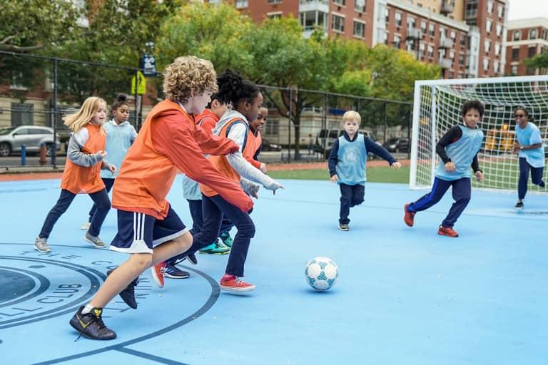 2018 NYC Soccer Initiative | Soccer Day - https://newyorkcity-mp7static.mlsdigital.net/elfinderimages/Pictures/NYCSI/10152018-SoccerDay-Manhattan-PS180-040.jpg