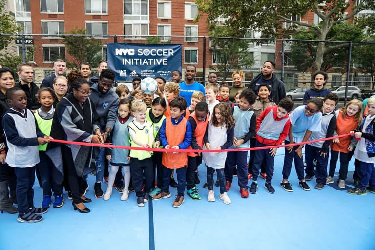 2018 NYC Soccer Initiative | Soccer Day - https://newyorkcity-mp7static.mlsdigital.net/elfinderimages/Pictures/NYCSI/10152018-SoccerDay-Manhattan-PS180-015.jpg