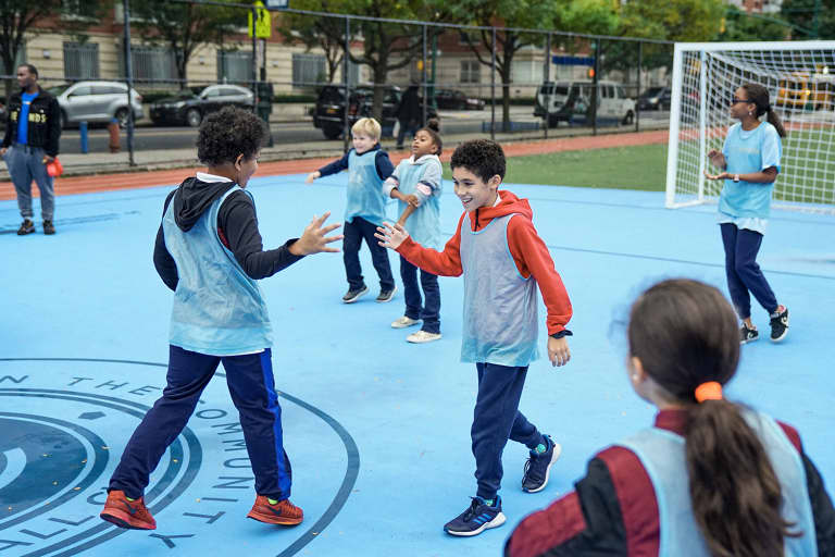 2018 NYC Soccer Initiative | Soccer Day - https://newyorkcity-mp7static.mlsdigital.net/elfinderimages/Pictures/NYCSI/10152018-SoccerDay-Manhattan-PS180-037.jpg