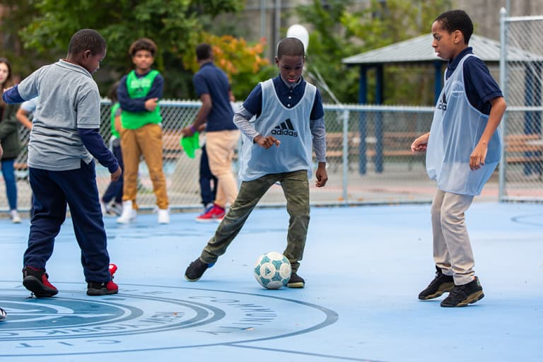 2018 NYC Soccer Initiative | Soccer Day - https://newyorkcity-mp7static.mlsdigital.net/elfinderimages/Pictures/NYCSI/10152018-SoccerDay-Brooklyn-PS446-29.jpg