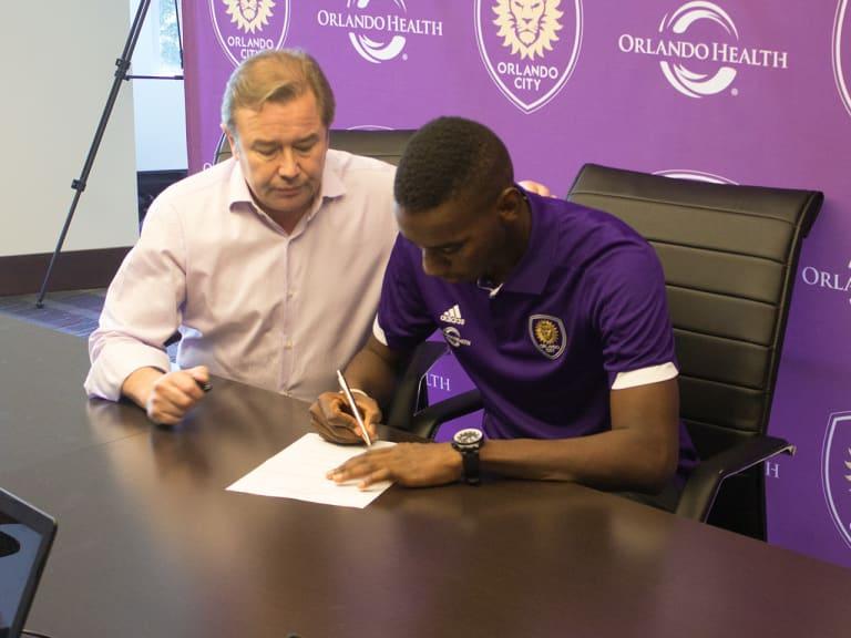 Orlando City Signs Bryan Róchez as MLS Designated Player -