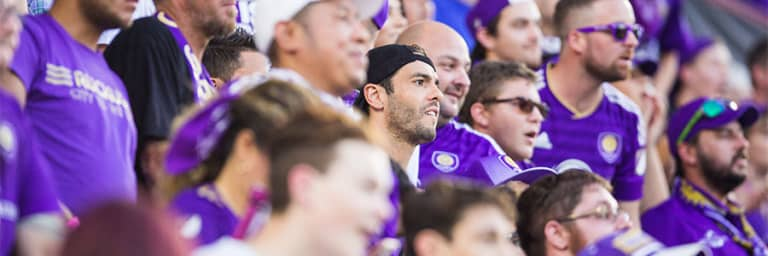 Kaká 'Feels What the Supporters Feel' in the Wall -