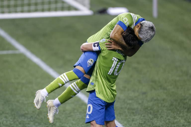 Sounders' stars shine when it matters most, put on clinic to lead Seattle to convincing triumph in postseason opener -