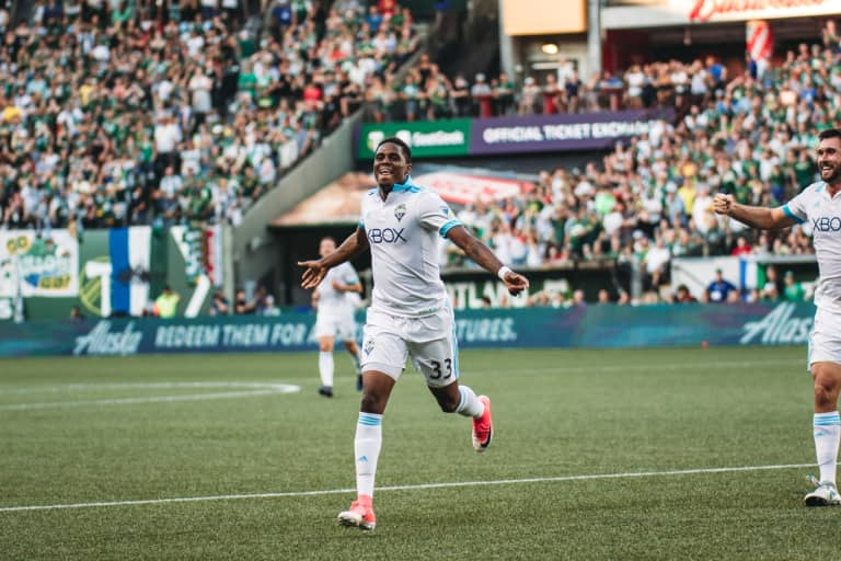 Sounders FC completes deadline day haul by adding Xavier Arreaga and Joevin Jones to roster -