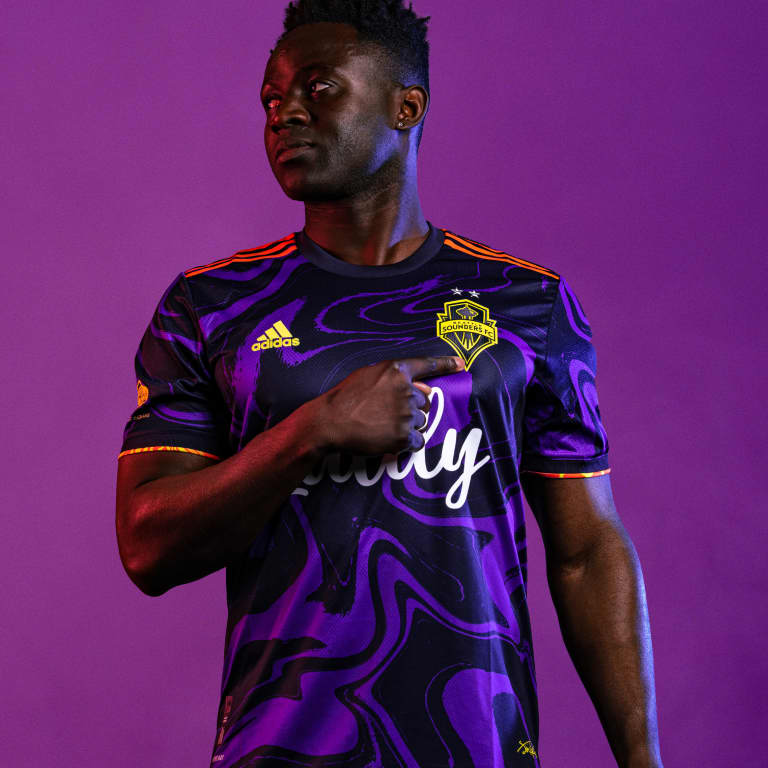"""Sounders FC introduces """"The Jimi Hendrix Kit,"""" team's new secondary jersey for 2021 and 2022 -"""
